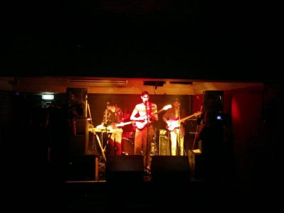An intimate set from Oscar in the Rescue Rooms Red Room
